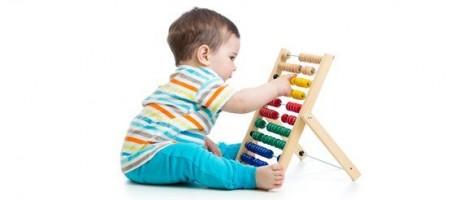 Развитие мелкой моторики рук у детей с рождения