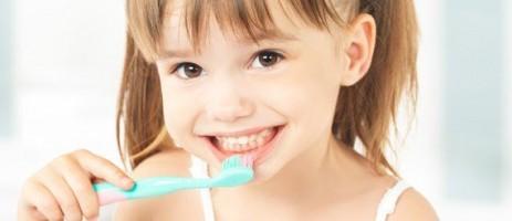 Как укрепить кости и зубы ребенку?
