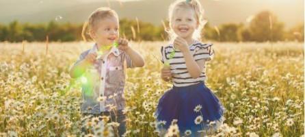 Отношения брата и сестры в детстве