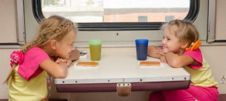 Что дать ребенку в поездку из еды?