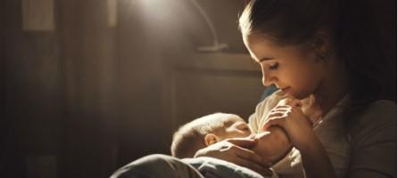 Нужно ли кормить ребенка ночью
